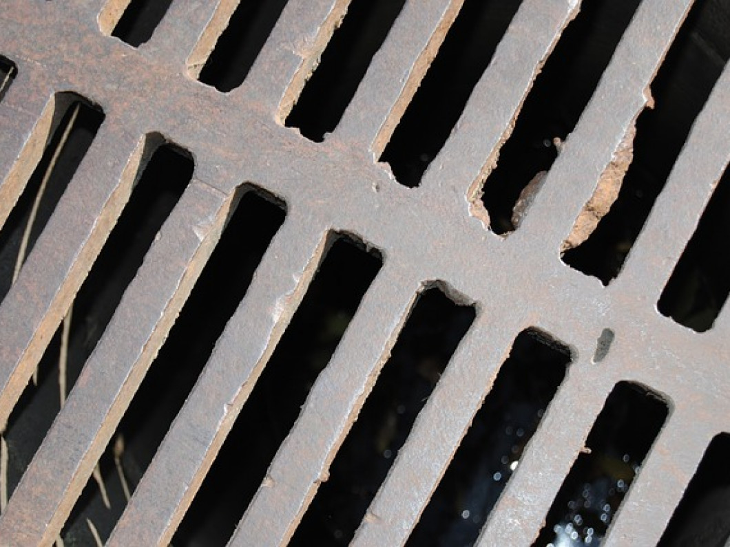 5 warning signs of sewer line problems